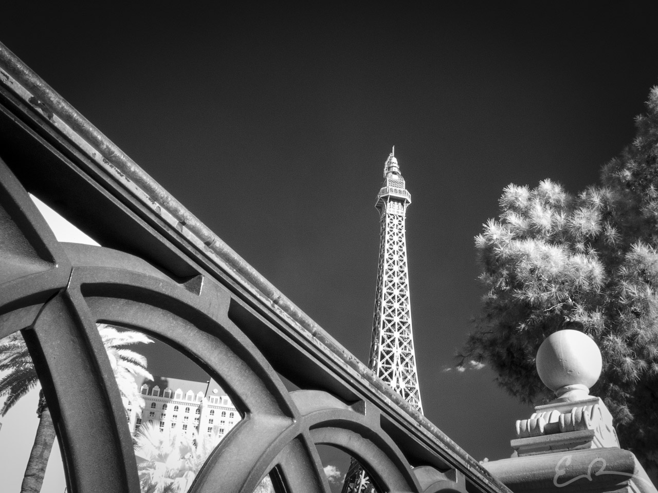 Paris in Infrared I